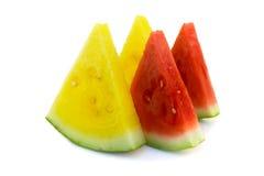 De rode en gele watermeloen van de besnoeiing royalty-vrije stock foto