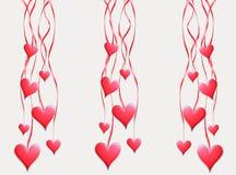 De rode harten hangen op banden Royalty-vrije Stock Afbeelding