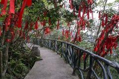De rode linten tianmen berg Stock Afbeeldingen