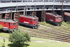 De rode locomotieven royalty-vrije stock fotografie