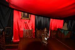 De rode ruimte in Sighisoara roemenië stock foto