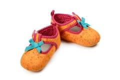 De rode schoenen van het jonge geitje Stock Fotografie