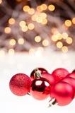 De rode snuisterijen van Kerstmis Royalty-vrije Stock Afbeelding