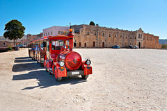 De rode toeristentrein Royalty-vrije Stock Fotografie