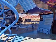 De rode van het de bezoekercentrum van de Rotscanion observaties Nevada. Royalty-vrije Stock Foto's