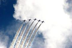De rode Vorming van Pijlen bij de Lucht van Eastbourne toont 2005 Royalty-vrije Stock Foto's