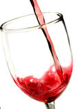De rode wijn giet close-up Royalty-vrije Stock Fotografie