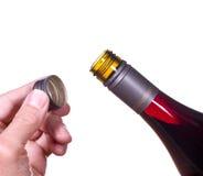 De rode wijnfles opende schroefdop royalty-vrije stock foto's