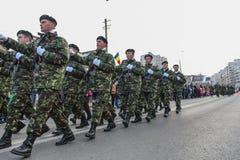 De Roemeense Nationale infanterie van de Dag militaire parade stock fotografie