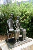 ` De roi et de reine de ` par Henry Moore au musée de Norton Simon Photographie stock libre de droits