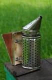De Roker van de bijenbijenkorf Royalty-vrije Stock Afbeeldingen