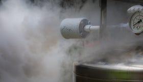 De rokerige lossing van het stikstofgas royalty-vrije stock foto