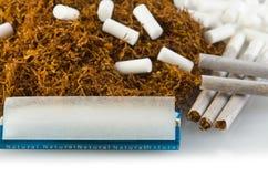 De rol van de tabak en van de sigaret Royalty-vrije Stock Afbeeldingen