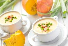 De romige soep van het pompoenbacon Stock Afbeeldingen