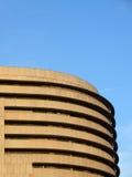 De rond gemaakte bouw in Barcelona, Spanje Stock Foto