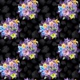 De ronde bos van mooie akelei bloeit of aquilegia en exotische monsterabladeren op zwarte achtergrond Het Schilderen van de water Royalty-vrije Stock Fotografie
