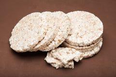 De ronde cracker van de dieetrijst, sluit omhoog stock afbeeldingen