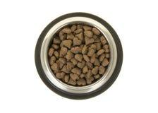 De ronde metaal het voeden kom met hart gevormd huisdier verbrokkelt gezien van royalty-vrije stock afbeelding