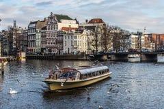 De Rondvaart van Amsterdam stock afbeelding