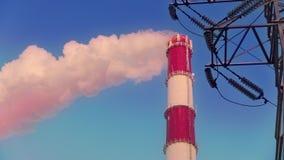 De rook van de schoorsteen stock videobeelden