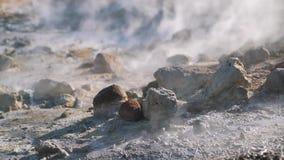De rook van geisers sluit omhoog stock videobeelden