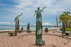 De Rotonde van Overzeese sculputers in Puerto Vallarta in Mexic stock foto