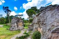 De rots en de hemel op de bergen bij het Nationale Park van Pahin Ngam Royalty-vrije Stock Fotografie