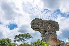 De rots en de hemel op de bergen bij het Nationale Park van Pahin Ngam Stock Afbeelding