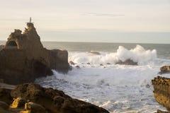 De rots van Biarritz stock afbeeldingen