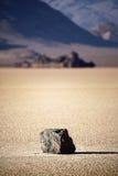 De rots van de Vallei van de dood op meerbed Royalty-vrije Stock Foto's