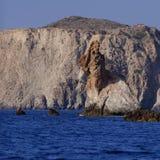 De rots van het Miloseiland draagt Stock Foto