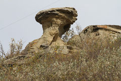 De rots vormt zich dichtbij Badlands in Alberta Stock Fotografie