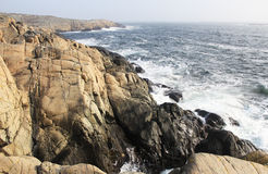 De rotsachtige kust Royalty-vrije Stock Foto's