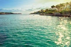 De rotsachtige kust van het eiland van Mallorca Stock Afbeelding