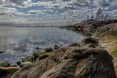 De rotsachtige Oostzee van de kustlijn royalty-vrije stock fotografie