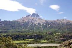 De rotsachtige piek van Cerro Castillo, Chili royalty-vrije stock afbeelding