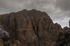 De rotsachtige top van Toubkal Royalty-vrije Stock Foto's