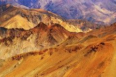 De rotsen en de stenen, bergen, ladakh modelleren Leh, Jammu & Kashmir, India Stock Foto's