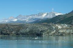 De Rotsen en de Wolken van gletsjers bij Prins William Sound stock fotografie