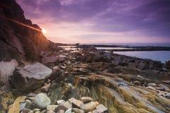 De rotsen op het strand Royalty-vrije Stock Fotografie
