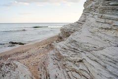 De rotsen van de kust royalty-vrije stock afbeelding
