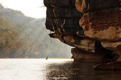 De rotsen van de Manambolorivier royalty-vrije stock fotografie