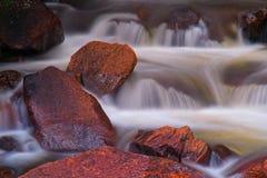 De Rotsen van de rivier Royalty-vrije Stock Fotografie