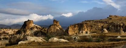 De rotsen van Kapadokian Stock Afbeeldingen