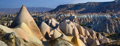 De rotsen van Kapadokian Stock Afbeelding