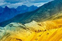 De rotsen van Moonland, Himalayan-bergen, ladakh modelleren in Leh, Jammu Kashmir, India Stock Afbeeldingen