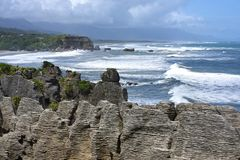 De Rotsen van de Pannekoek van Punakaiki, Nieuw Zeeland Stock Afbeelding