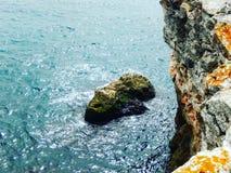 De rotsen van Tyulenovo Stock Afbeeldingen