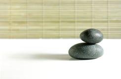 De rotsen van Zen op wit Stock Afbeelding