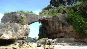 De rotsvorming de 'Brug van Howrah' in Neil Islands wordt genoemd dat Royalty-vrije Stock Foto's